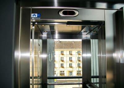 Ascenseur au cinéma de Chaumont (52)